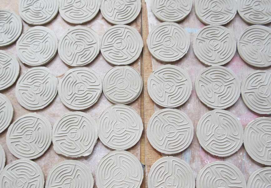 De eerste 100 lopers van het labyrint krijgen een bijzondere medaille
